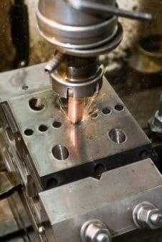 Der Hersteller von Bestandteilen eines Produkts haftet mit dem Hersteller nach französischem Recht