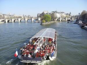 Bösglâubige Anmeldung der Marke Bateaux Mouches in Paris