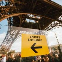 Sonntagsarbeit in Frankreich mit dem neuen Macron-Gesetz und Touristen