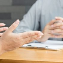 Mitarbeitergespräch mit dem Arbeitgeber